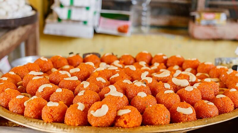 Laddu, indian dessert